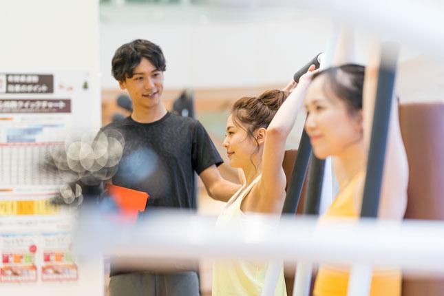 専⾨知識、資格を持つスタッフがトレーニングをサポート